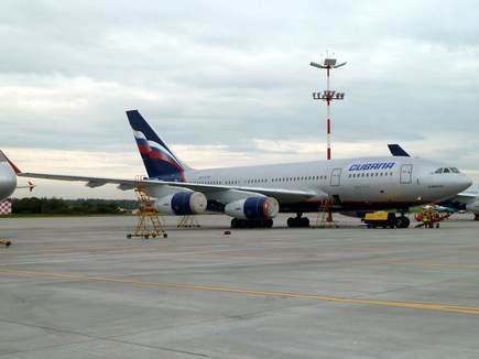Refuerza Cuba su flota aérea con dos Il-96-300
