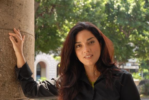 Bárbara Llanes. ¿Un ángel cantando en La Habana?