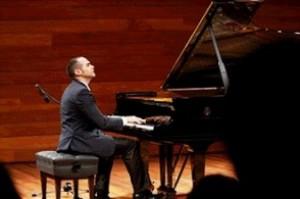 Pianista cubano Marcos Madrigal ovacionado en Roma