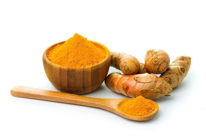 curcuma bol raiz cuchara - 10 remedios caseros contra los Melanomas